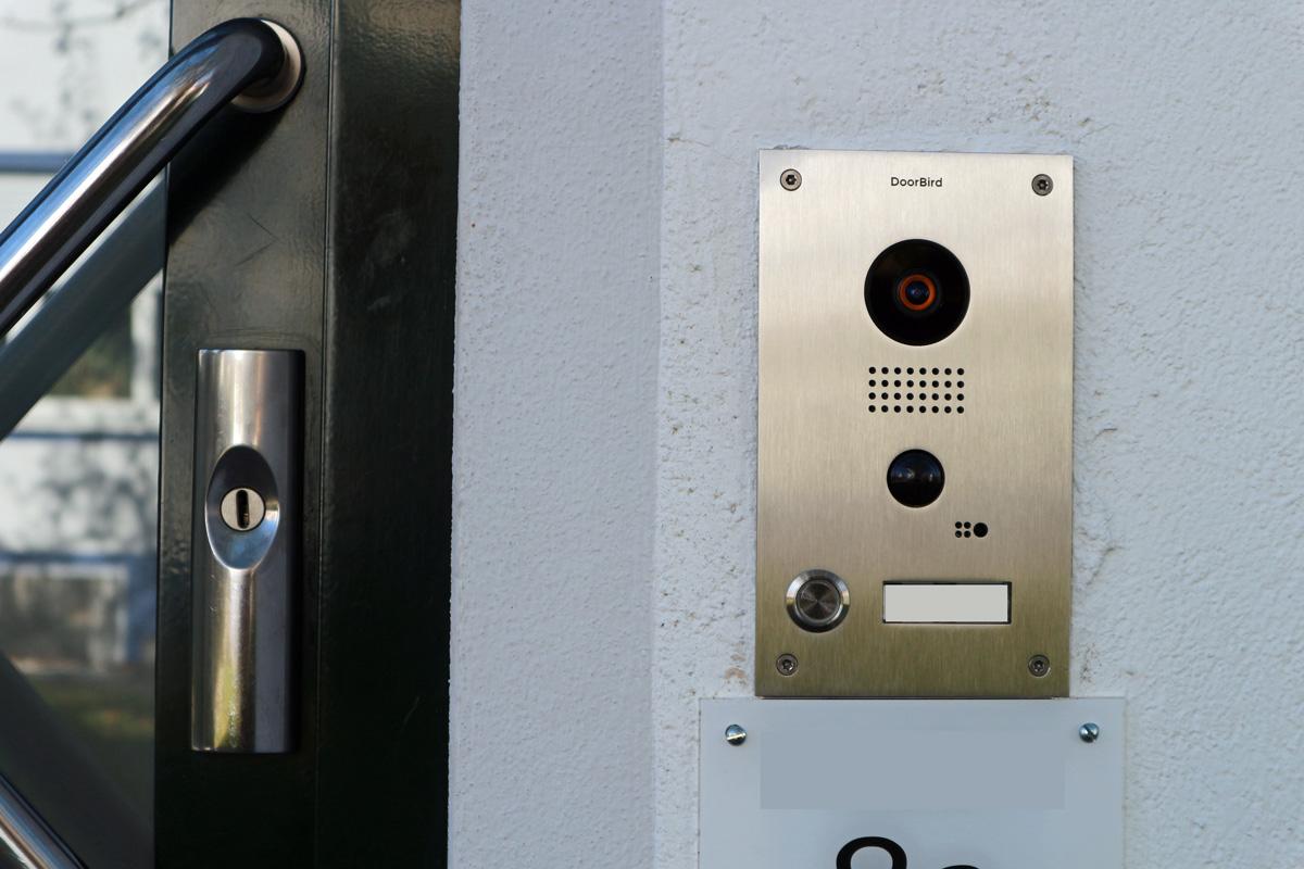 Doorbird - IP Video Türsprechanlage mit Smartphone-Steuerung